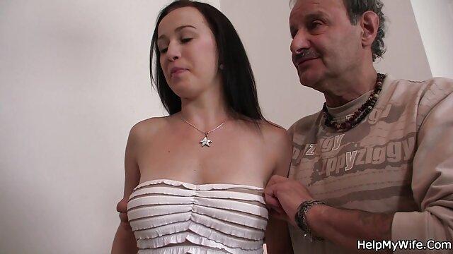 DiLand Brown nel suo Folly video de sexo brasileiros in the woods